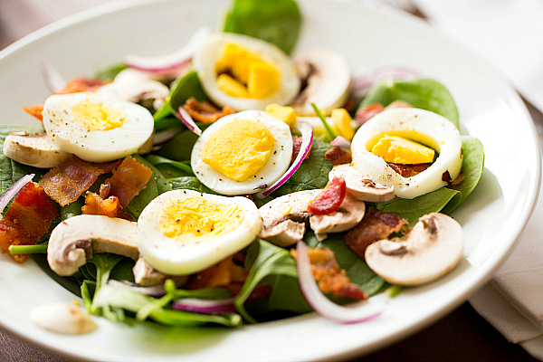 Warm Spinach Salad with Bacon, Mushrooms and Hard Boiled Eggs | Family ...